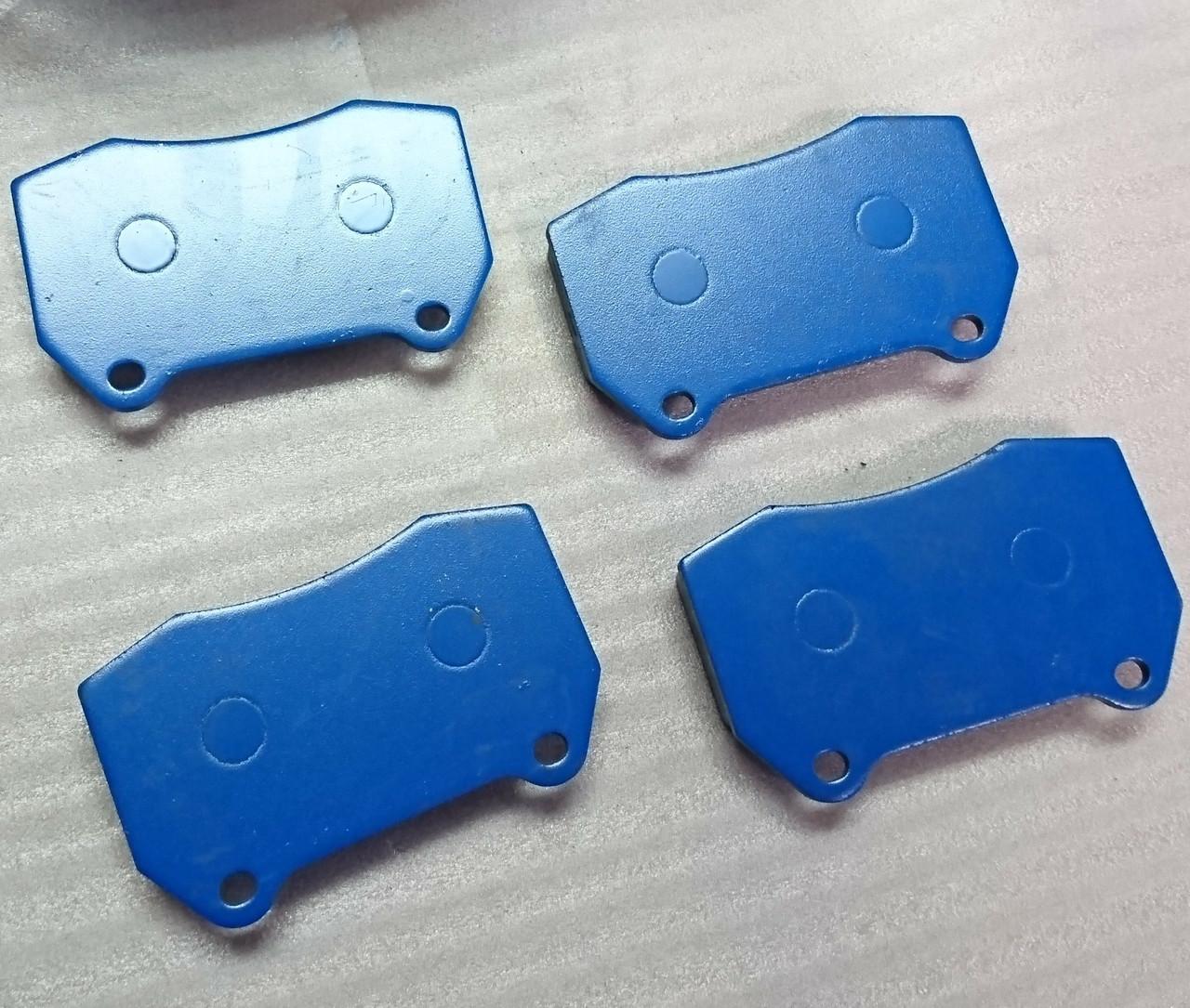 Semi Metallic R-Chassis Brembo Front Brake Pads