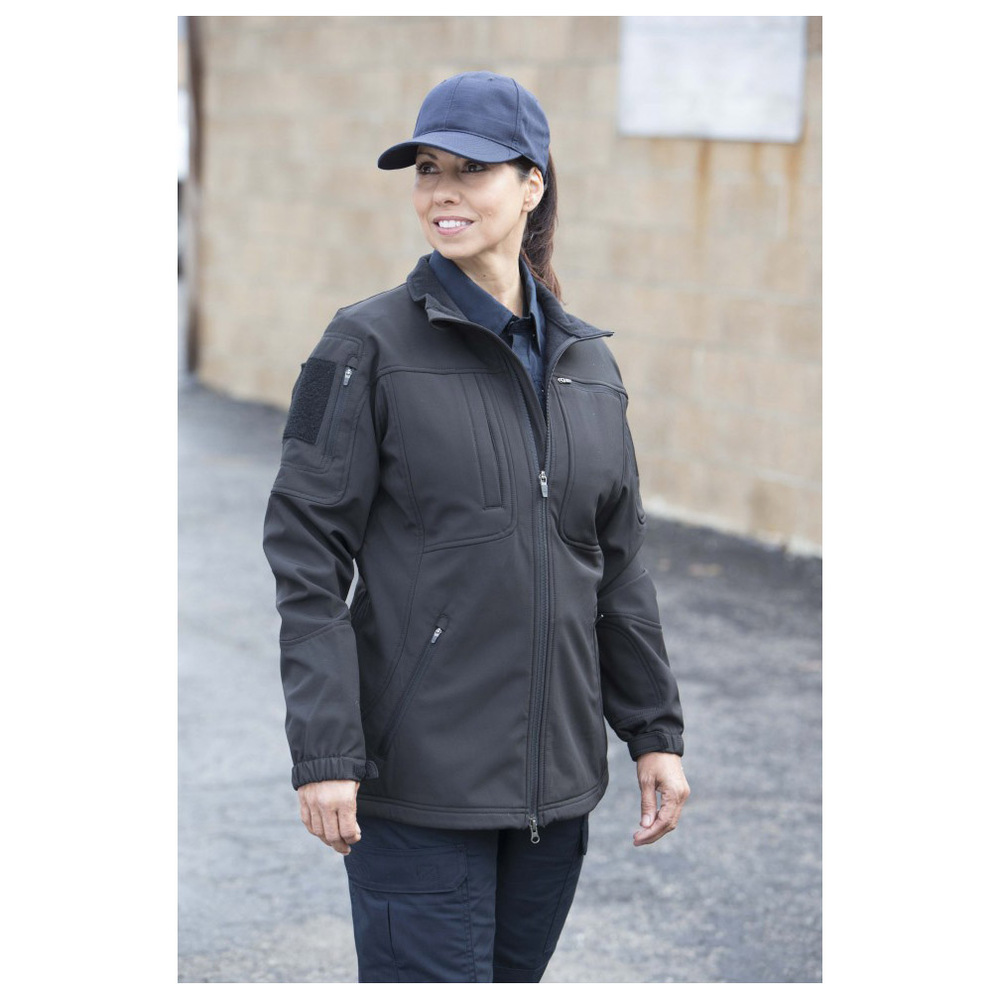 https://d3d71ba2asa5oz.cloudfront.net/50000171/images/propper-ba-womens-softshell-jacket-in-use-f5498.jpg