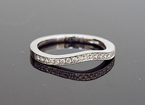DC10775 LADIES CURVED DIAMOND WEDDING RING