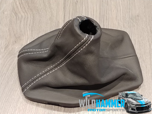 Camaro SS Manual Shift Boot (Leather W/ Stone Stitching) - General Motors