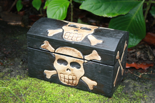 "Treasure Chest Box 7.5"" - Crossbones Decor Accessories"