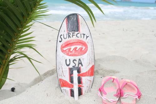 """SURF CITY, USA"" SURF SIGN W/ FIN 14"" - SURFING DECOR"