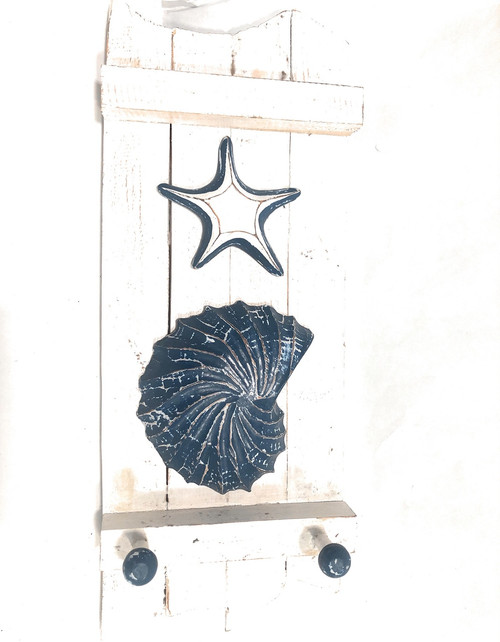 "Hanger on Slats 20"" w/ Fish & Starfish - Nautical Decor Accents 