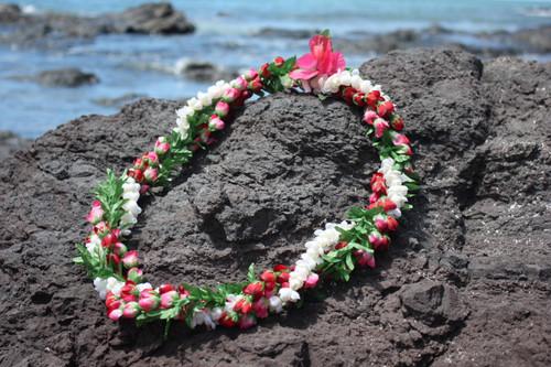 """Pikake / Rosebud w/ Leaf Twirl 18"""" - Hawaiian Silk Leis"""
