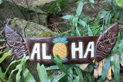 "SURF SIGN ""ALOHA"" W/ PINEAPPLE - 20"" ANTIQUE FINISH"