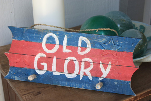 "Americana Sign/Hanger ""Old Glory"" on Planks 16"" - 2 Pegs"