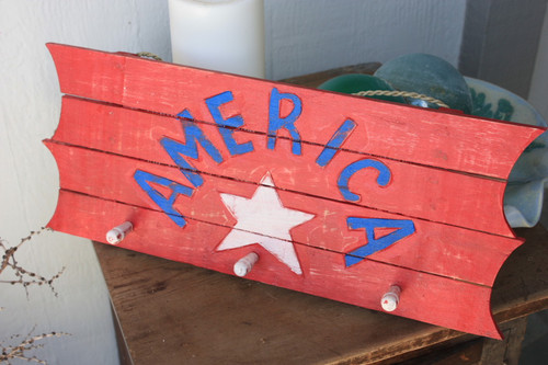 "Wooden Sign/Hanger""America"" on Planks 20"" - 3 Pegs"