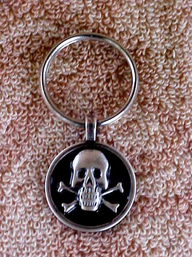 Biker Skull And Crossbones Key Fob KF979Z