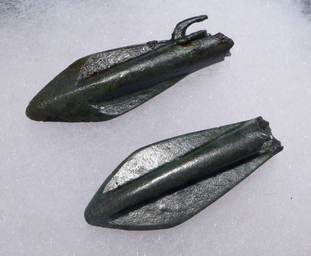 TWO LARGE EXCEPTIONAL ANCIENT GREEK MACEDONIA BRONZE ARROWHEADS *NE195