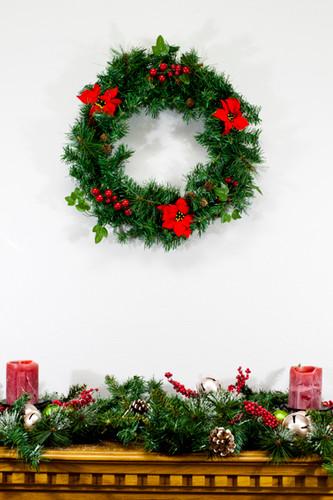 20 Inch Christmas Wreath with Poinsettias