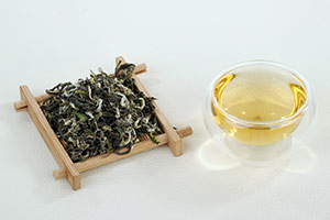 Chinese Green Tea and Cup