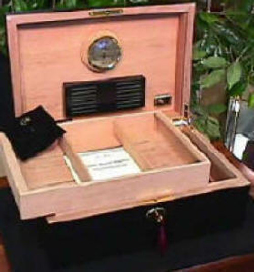 """Daniel Marshall #20125/T With Tray """"Ambiente"""" Humidor"""