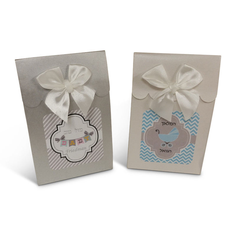Scalloped Vachnacht Peckel Box, Labels & Bows Included