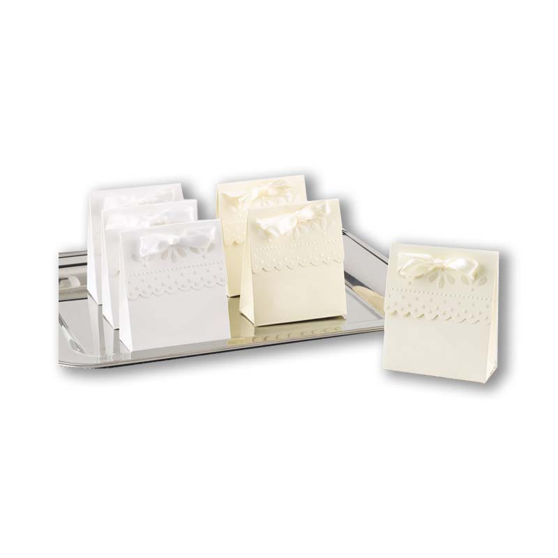 Ivory Scalloped Favor Boxes (Set of 25)