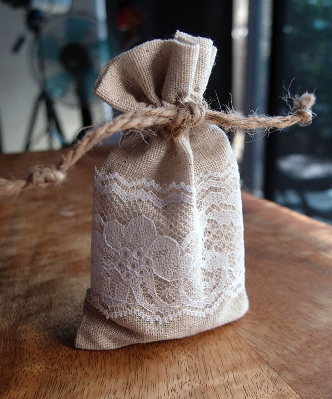 """Linen Bags With Lace 3"""" x 5"""""""