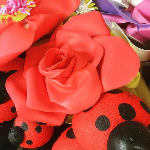 "Decorative Flower (28"", Red)"