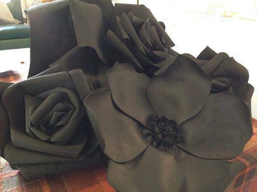 "Decorative Flower (28"", Black)"