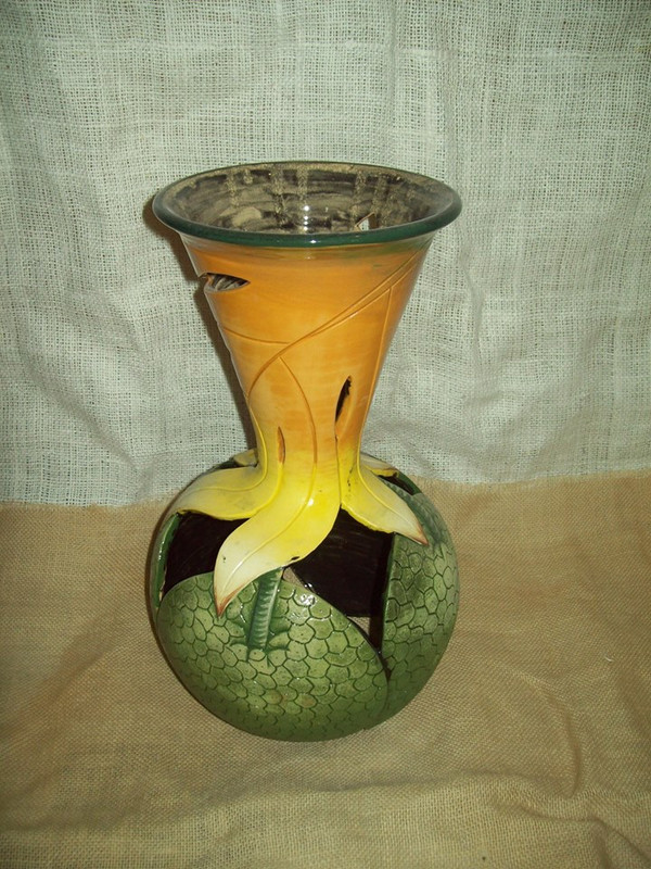 Lrg Cut Breadfruit Vase