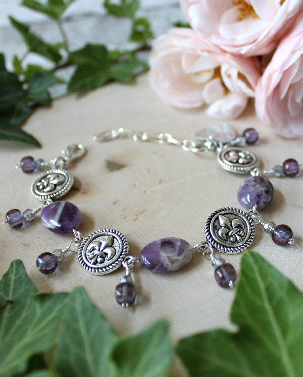 Fleur de lis Link Bracelet