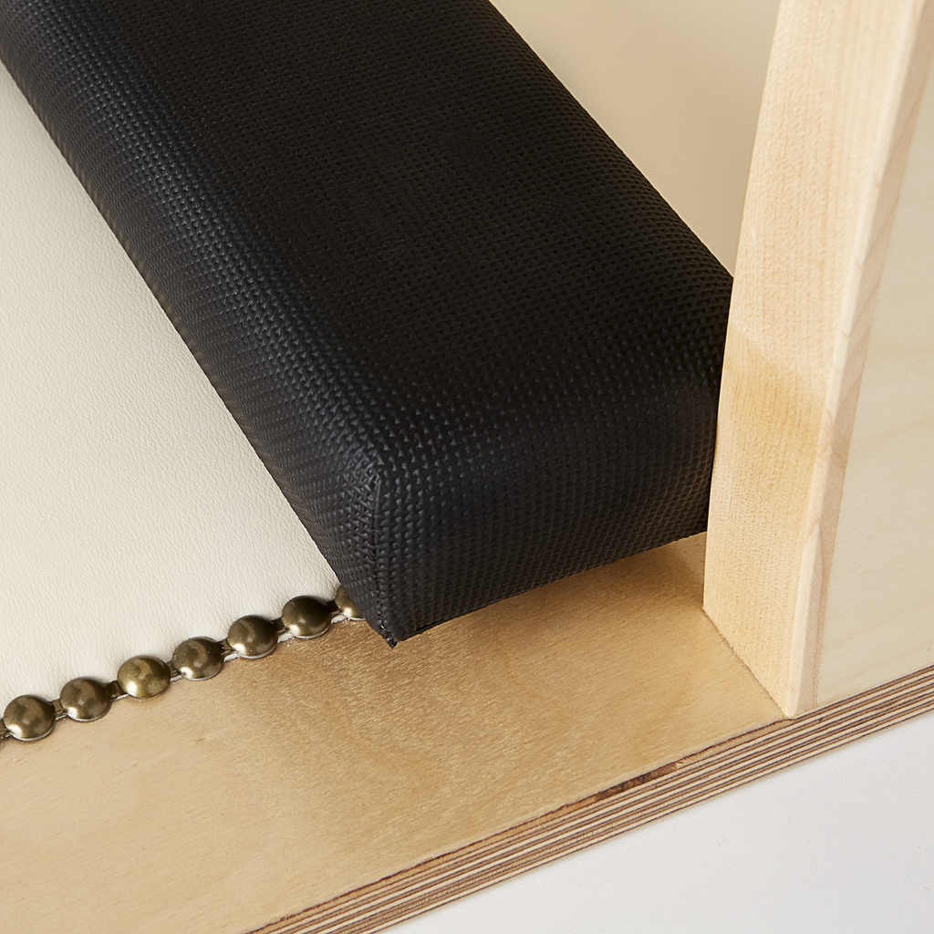 Gold Stud/ Restricting Bar detail