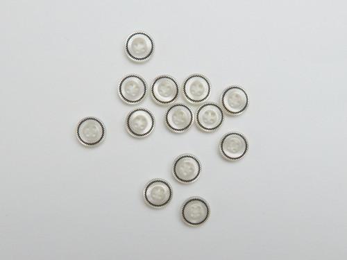 12 White shell shirt button, size 18
