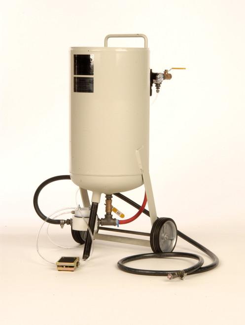Cyclone Manufacturing PT-100 Side Kick Pressure Sand Blast Unit