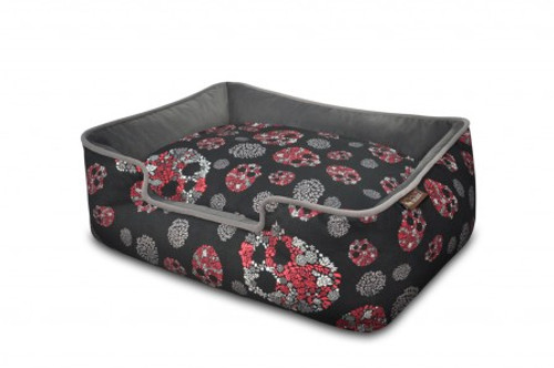 Lounge Bed | Skull & Roses