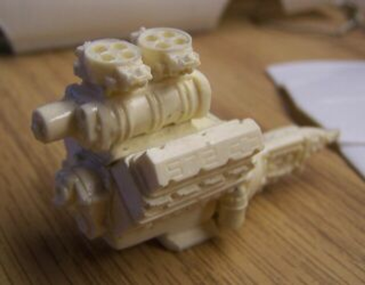 BBC 572 Blown/Carb Engine 1/25