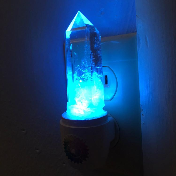 Quartz crystal color changing  light