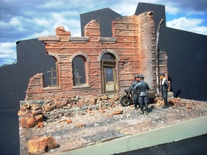 1/35 Diorama Bases and Buildings -- MegaHobby com