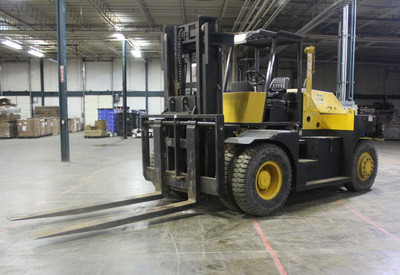 Royal 36,000 Lb Forklift, Pneumatic Tire, 8' Forks, Riggers Special, 10' Mast
