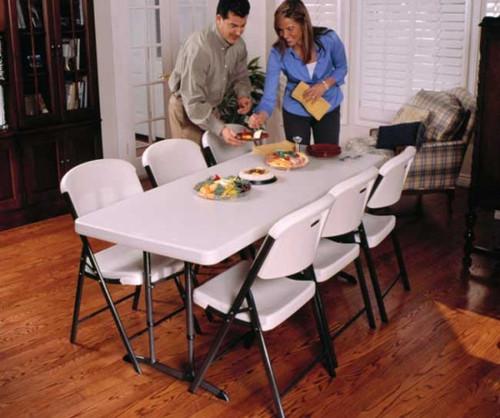 6' Adjustable Height Display Table