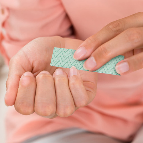 STICKY FINGERS GUM NAIL FILE