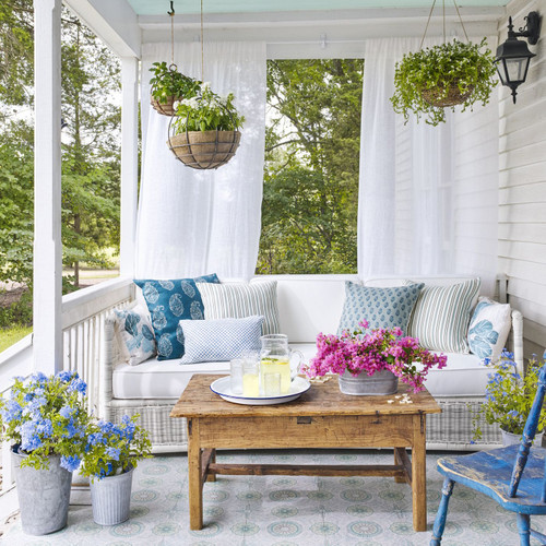 How to Style Your Porch for an Irish Climate