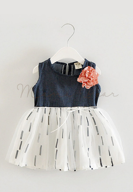 Lovely Flower With Trace Lines Pattern Kids Dress