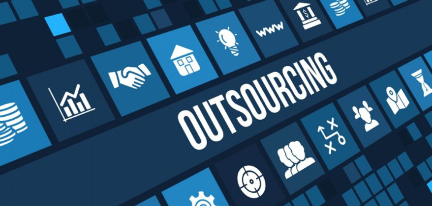 The Benefits of Outsourcing vs. Hiring Internal IT Staff
