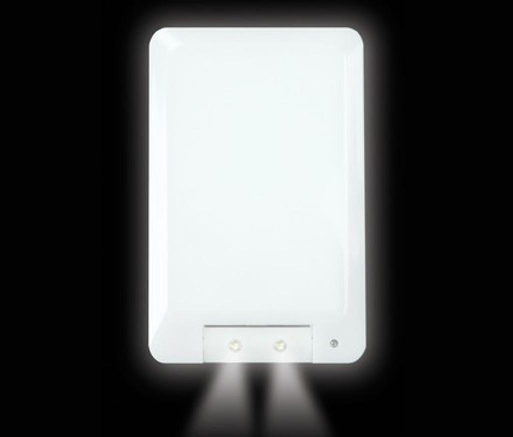 Power failure night light with fire safe