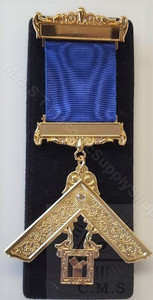 Masonic Past Masters Jewel with stone