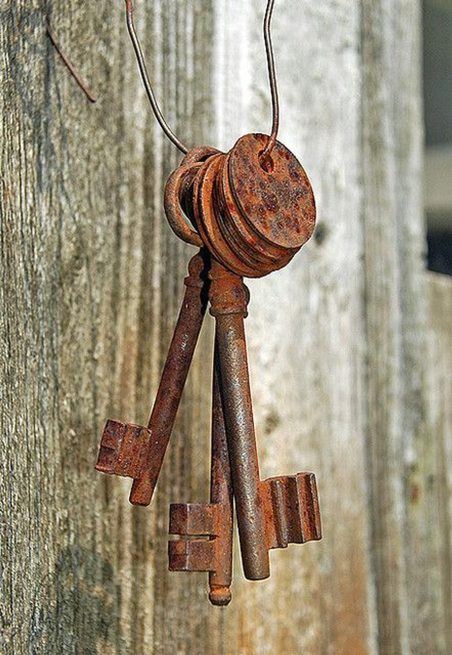 Vintage Keys with Antique Rust