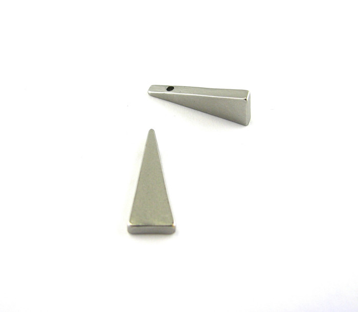 Satin Rhodium 20mm Triangular Drop/Pendant (Side Drilled)  Sold by the piece.
