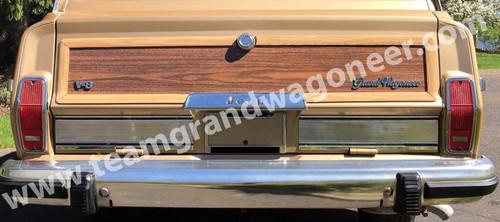 Woodgrain Trim Tailgate Panel Replacement