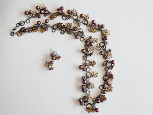 Gun metal Circles Necklace Set with Wooden Flowers, Pearls and Crystals