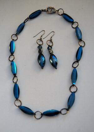 Oblong Blue Crystals Necklace set