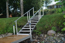 Dock Steps with Handrail