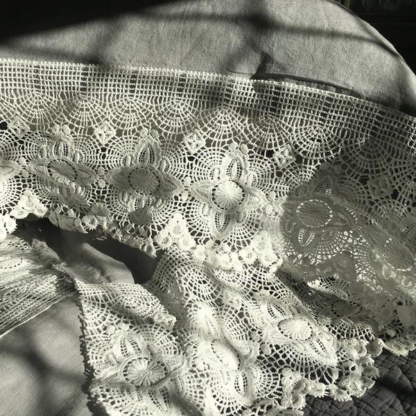Yummy Linen sexy Linen and lace queen sheet set.