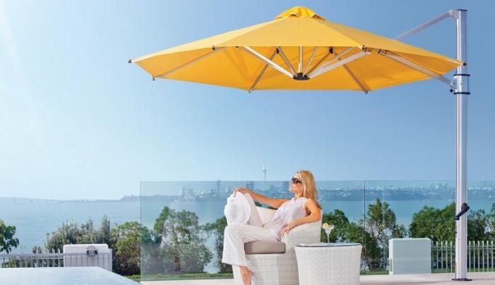 Riviera sidepost cantilever umbrella
