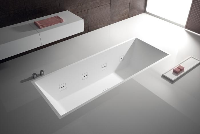 Hydroline spa bath