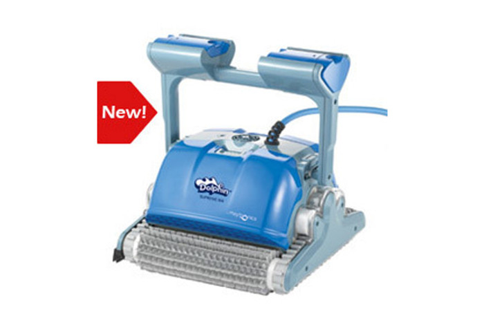 Dolphin Supreme M4 independent pool cleaner