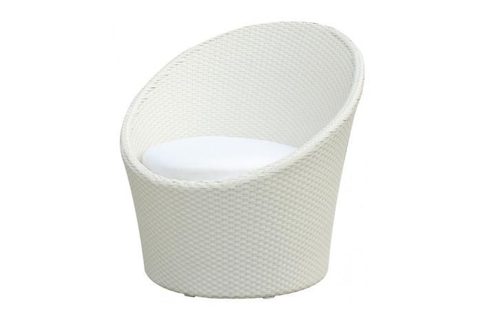 Apollo outdoor lounge chair in khaki or white brush wicker