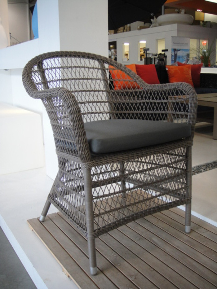 Picture shows chair with optional cushion pad